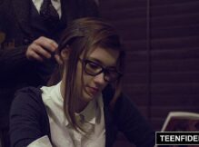 Vídeos de srxo nerd sensacional e gostosinha transando com o safado